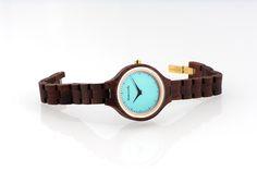 Armbanduhr aus Holz Damen - Damen Holzuhr #Holzuhr #Armbanduhr #Damenuhr von Bewoodz