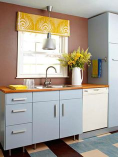 Unexpected color combination - soft blue, yellow and brown - kitchen design @pattonmelo