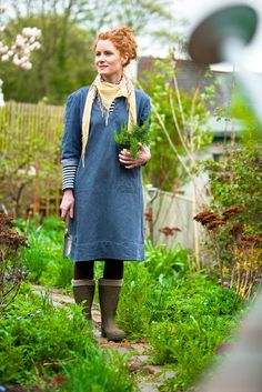 Alys Fowler celebrity gardening expert, best known for her TV series The Edible Garden and her writing in the Guardian. We shot her in her own garden for Grow Your Own magazine.