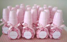 mamadeira lembrancinha de chá de fraldas Shower Bebe, Baby Shower Decorations, Bernardo, Diaper Cakes, Anna, Makeup, Party, Baby Boy Shower, Cheap Baby Shower