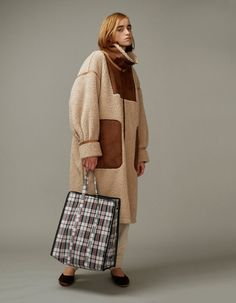 Fall Winter Outfits, Winter Fashion, Shearling Coat, Fashion Images, Retro Fashion, Jackets For Women, Editorial Fashion, Street Style, Fashion Outfits