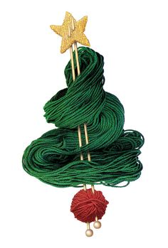 Cute Christmas tree made out of yarn and some knitting needles! Knitting Quotes, Knitting Humor, Knitting Wool, Knitting Projects, Knitting Needles, Knitting Club, Cute Christmas Tree, Noel Christmas, Christmas Crafts