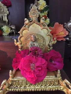 Sai Baba Hd Wallpaper, Sai Baba Photos, Om Sai Ram, Hindu Temple, God Pictures, Lord Shiva, Decorations, Telugu, Brass