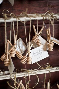 Honey Drizzler Place Card Display