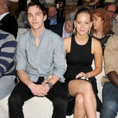 'All her feelings just came rushing back': Jennifer Lawrence and Nicholas Hoult 'rekindle their romance' on X-Men sequel set Nicholas Hoult Jennifer Lawrence, Jennifer Lawrence Legs, Hollywood Couples, Celebrity Couples, Celebrity News, Adam Brody, Dominic Cooper, Rachel Bilson, Movies