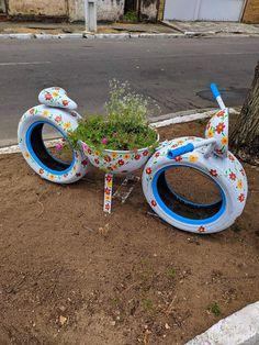 Diy Home Crafts, Garden Crafts, Diy Arts And Crafts, Garden Projects, Diy Yard Toys, Tire Craft, Herb Garden Design, House Plants Decor, Garden Yard Ideas