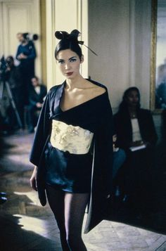 The complete John Galliano Fall 1994 Ready-to-Wear fashion show now on  Vogue Runway. 029995ec86