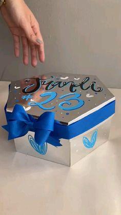 Birthday Gifts For Boyfriend Diy, Cute Boyfriend Gifts, Cute Birthday Gift, Birthday Diy, Handmade Birthday Gifts, Birthday Basket, Diy Gifts Videos, Diy Crafts For Gifts, Diy Best Friend Gifts
