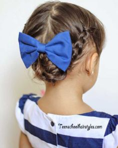 16 Toddler hair styles to mix up the pony tail and simple braids. 16 Toddler hair s Baby Girl Hairstyles, Princess Hairstyles, Cute Hairstyles, Braided Hairstyles, Toddler Hairstyles, Teenage Hairstyles, Short Haircuts, Drawing Hairstyles, Kids Hairstyle
