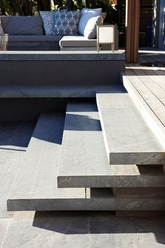 P Casa, Cape Town, South Africa stair detail Front Stairs, Deck Stairs, Concrete Stairs, Concrete Patio, Landscape Steps, Outdoor Steps, Garden Stairs, Beton Design, Stair Detail