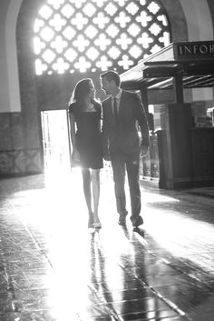 Photography: Christine Chang Photography - www.christinechangphoto.com  Read More: http://www.stylemepretty.com/california-weddings/2014/03/17/glamorous-los-angeles-engagement-session/