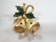 Vintage Christmas Bells Pin by mimmiestreasurechest on Etsy
