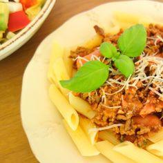 Spaghetti bolognese er om noget den perfekte pastaret. Den er simpel og velsmagende og alle kan lide den.
