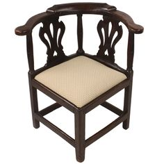 Very Early Corner Chair, With A Drop In Seat. Fine Chippendale Style  Carving, Of The Period. Good Sitting Height.
