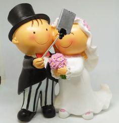 Figura novios para el pastel #figurapastel #noviospastel #noviostarta #bodas #casament #wedding #papelypapel #invitacionesonline