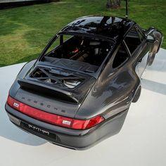 View Gunther Werks Porsche 911 Sport Touring Package images from our Gunther Werks Porsche 911 Carbon Fiber Body photo gallery. Porsche 930, Custom Porsche, Porsche Classic, Vintage Porsche, Sport Cars, Carbon Fiber, Touring, Dream Cars, Sports