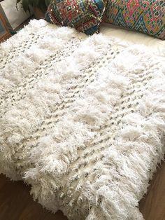 Moroccan wedding blanket ALICIA Vintage Berber by SunnyHomeStory