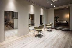 Salon Lighting, Hair Salon Interior, Salon Style, Salons, Design Inspiration, Hairdressers, Men Hair, Salon Ideas, Salon Design