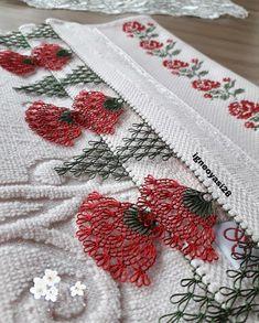 Görüntünün olası içeriği: çiçek Needle Lace, Lace Making, Christmas Wreaths, Coin Purse, Holiday Decor, Diy, Womens Fashion, Silk, Pictures