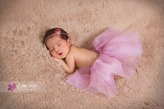 new born violeta brand photography