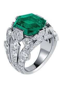 Cartier platinum, diamond and emerald ring. Vincent Wulveryck for Cartier - I Love Jewelry, High Jewelry, Jewelry Rings, Jewelry Box, Jewelry Accessories, Jewelry Design, Bullet Jewelry, Geek Jewelry, Designer Jewelry
