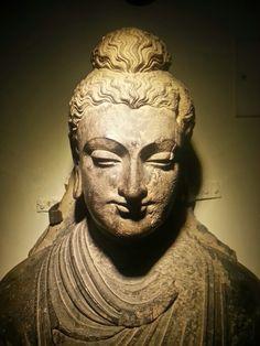 Buddha  from   peshawar  museum