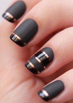 10 Cute and Stunning Black Nail Arts P-4