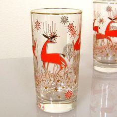 Vintage mid-century Christmas Reindeer beverage glasses <> (Libbey, eBay, deer-io)