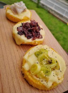 Dischi di polenta con formaggio bergader