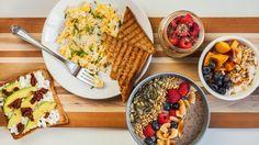 Nestíháte snídat? Tahle super zdravá jídla vám nezaberou víc než 10 minut! Waffles, Brunch, Breakfast, Food, Morning Coffee, Essen, Waffle, Meals, Yemek