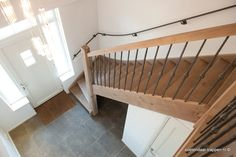 Eiken trap. Landelijk rustiek eikenhout.
