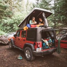 Find The Best Tips For Camping Right Here. If you want to make your next camping trip an experience to remember, you need to get informed. Adventure Awaits, Adventure Travel, Voyage Week End, Auto Retro, Camping Life, Jeep Camping, Jeep Wrangler Camping, Jeep Jeep, Moab Jeep