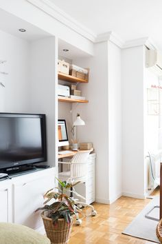 A Clean and Simple Office Nook Home Office Shelves, Office Nook, Desk Nook, Home Office Design, Home Office Decor, House Design, Study Table Designs, Kirkland Home Decor, Aesthetic Bedroom