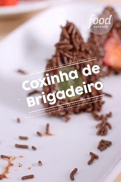 Coxinha de Brigadeiro Confira una ricevuta di Coxinha de Brigadeiro do FoodNetwork Brasil # Sweets Recipes, Cake Recipes, Cooking Recipes, Tasty, Yummy Food, I Love Food, Food Network Recipes, Food Porn, Food And Drink