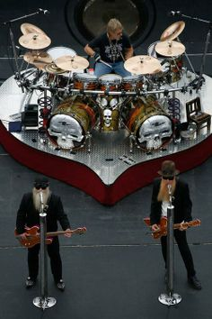 Like: joewalshisokiguess The Effective Pictures We Offer You About Musical Band popular A quality picture can tell you many things. You can find the most beautiful pictures that can be presented to yo Rock And Roll Bands, Rock N Roll Music, Iron Maiden, Vikings, Alternative Rock, Zz Top, Heavy Metal Music, Rock Groups, Music Guitar