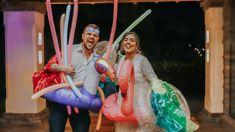 La fiesta de tu boda con temática pool party, kits de piscina, flotadores y mucha diversión. Party, Bobbers, Weddings, Parties