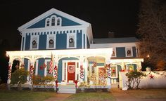 Dwight Loomis home, circa 1860 in Rockville, CT. Christmas Decor without snow (December 2009) by KarasCorner, via Flickr