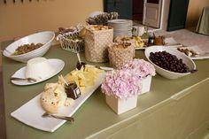 Allestimento buffet. #catering #allestimento #tavolobuffet #tavolo