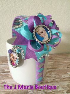 Items similar to Easter hair bow, Bunny hair bow, Chevron Hair bow on Etsy Frozen Hair Bows, Frozen Headband, Ribbon Hair Bows, Diy Hair Bows, Princess Hair Bows, Ladybug Crafts, Disney Bows, Ribbon Sculpture, Frozen Necklace
