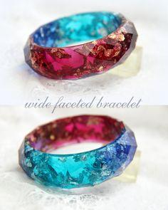 Wide faceted bracelet, Bracelet faceted, Resin bangle, Resin gold flakes, Bracelet resin green gold flakes, Resin bangle, Bangle gold flakes by RALIJEWELLERY on Etsy