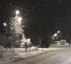I Love Snow, I Love Winter, Winter Night, Winter Time, Night Aesthetic, City Aesthetic, Winter Wonderland, Dark Paradise, Snowy Day