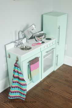 Kids Play Kitchen DIY Style