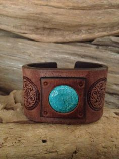 Vintage brown leather cuff