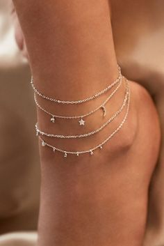 Rue Gembon Arielle Silber Fußkette Source by nila_harasaki bracelets Stylish Jewelry, Simple Jewelry, Cute Jewelry, Fashion Jewelry, Women Jewelry, Stylish Clothes, Silver Jewelry, Silver Rings, Pearl Jewelry