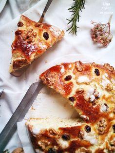ración de coca de pasas y nueces : via MIBLOG Vegetable Pizza, Lasagna, Cheese, Vegetables, Ethnic Recipes, Food, Layer Cakes, Salads, Raisin