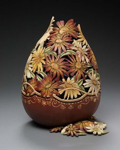 Check out these unbelievable gourd carvings created by Utah-based artistMarilyn Sunderlandwhodraws inspiration from the beautiful landscapes in Utah valley surrounded by mountains. Herworks are...