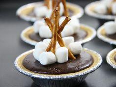 Mini Campfire S'more Pies