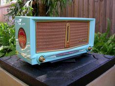 Le Radio, Radio Antigua, Retro Radios, Antique Radio, Cleaning Wipes, Retro Vintage, Custom Design, Antiques, Drawings