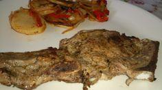 Bonjour tout le monde, Voici une recette très simple pour les jours de chaleur… Ingrédients : (pour 3 personnes) 3 Entrecôtes de veau 4 pommes de terre moyennes 2 oignons 6 petits poivrons (rouge & orange) Marinade : Huile végétarienne Poivre rouge (j'ai...