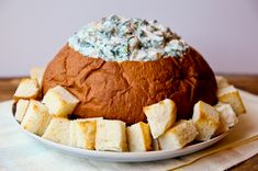 Islander Spinach and Artichoke DipThis easy dip in a bread bowl is sure to be a crowd pleaser at your next tailgate party! Appetizers For A Crowd, Appetizers For Party, Appetizer Recipes, Party Snacks, Party Trays, Party Games, Cold Dip Recipes, Crowd Recipes, Yummy Recipes